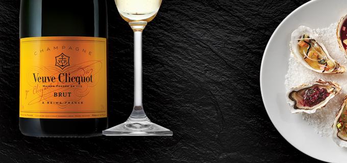 Soir es de cl ture de terrasse champagne et hu tres au pandore resto mania - Coupe champagne veuve clicquot ...