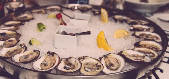 oystermania-eat-b1