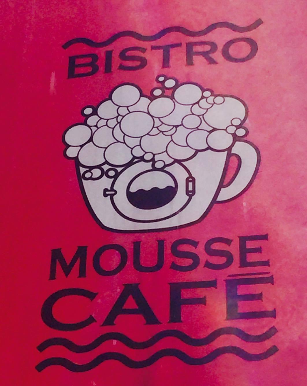 logo bistro mousse café